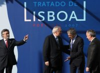 http://greatdearleader.blogspot.com/2008/04/fall-in-support-for-lisbon-treaty.html